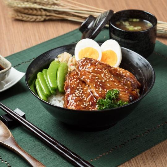 蒲燒鯛魚腩飯
