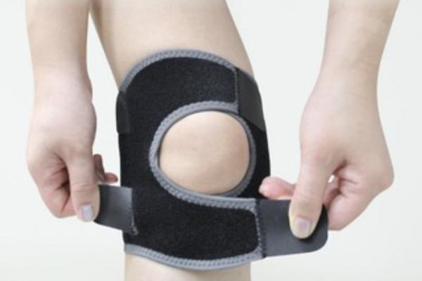 Power-Wrap Silicone Knee Stabilizer